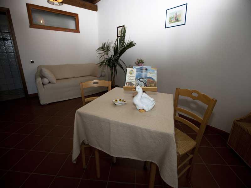 tavolo in camera per colazione